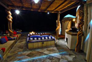 Shangri-La Outdoor Bed Night